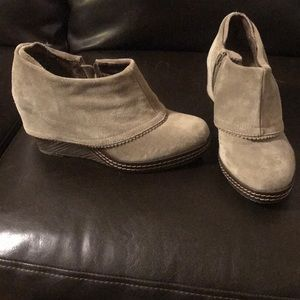 Dr. Scholls suede wedge ankle boots